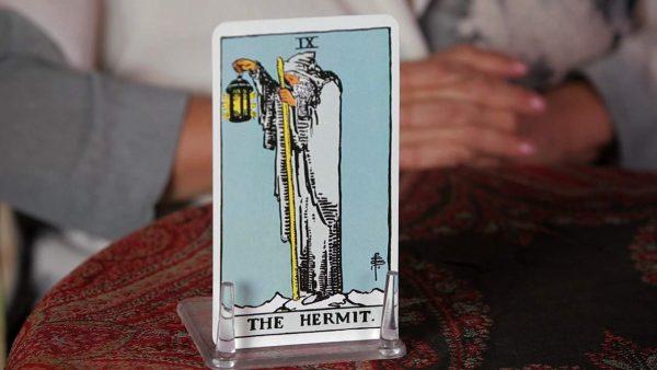 ý nghĩa lá bài The Hermit