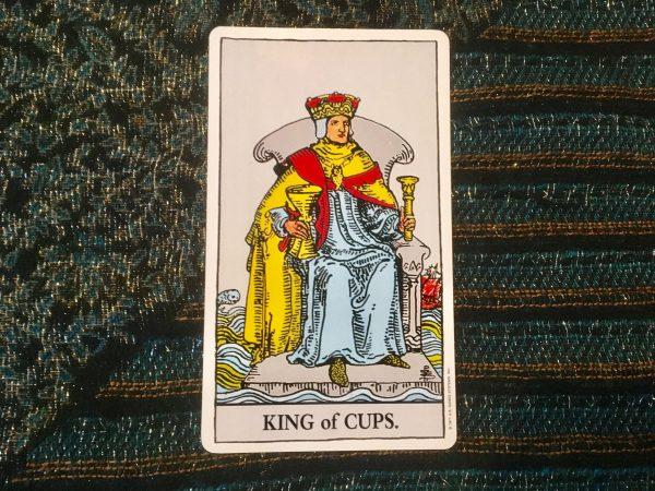 ý nghĩa lá bài King of Cups