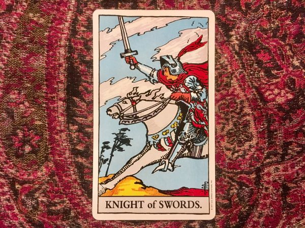 Ý nghĩa lá bài Knight of Swords
