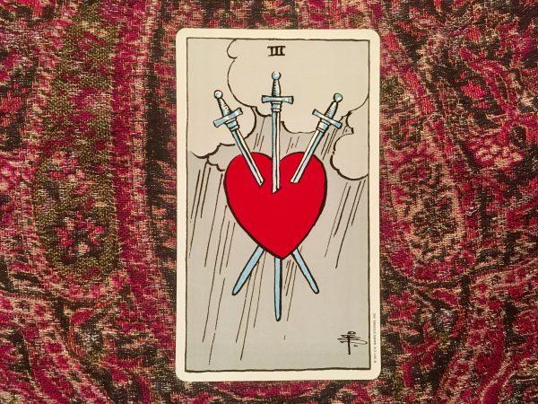 Ý nghĩa lá bài Three of Swords
